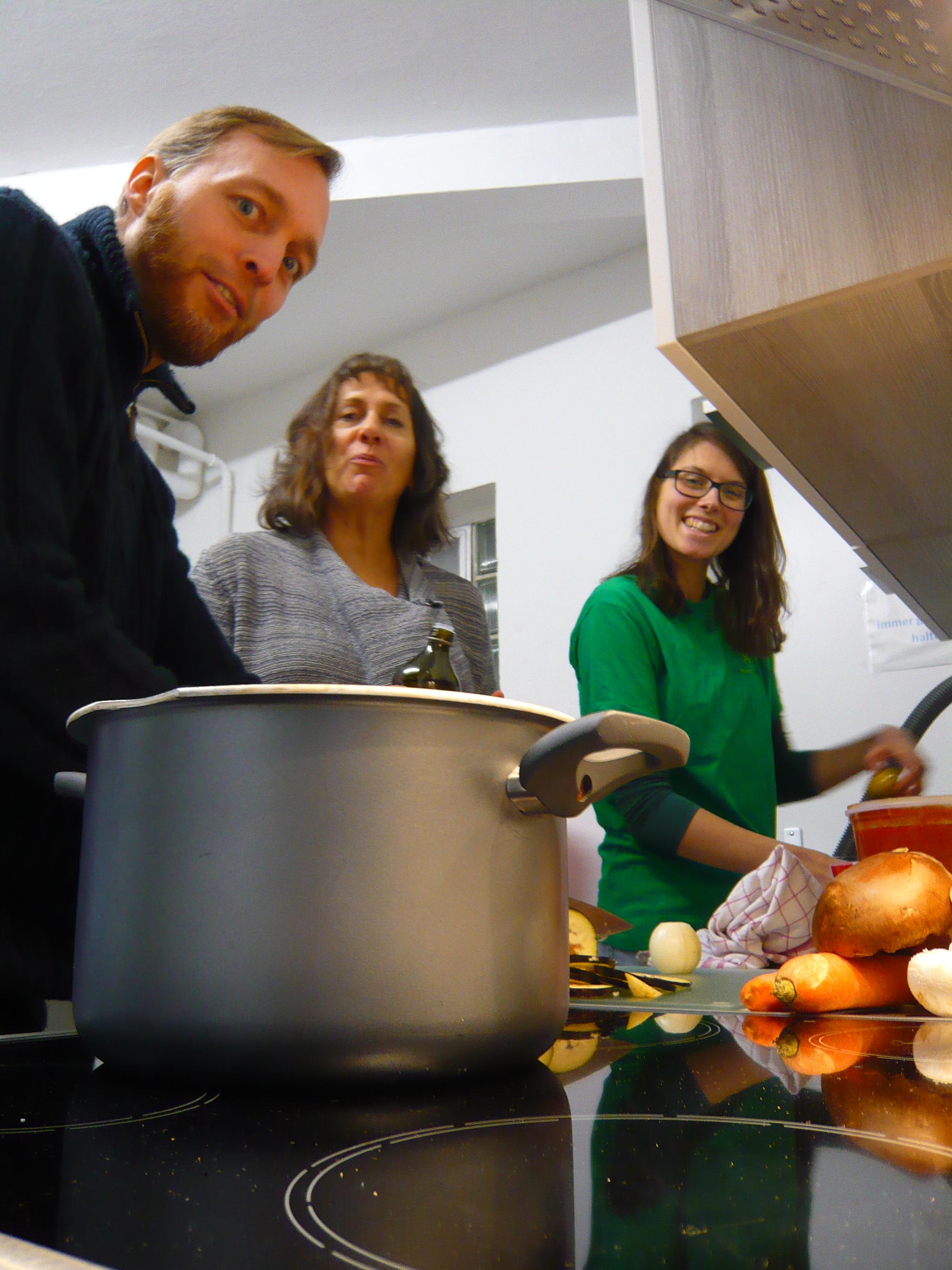 Foodsharing Infoabend mit Kochevent gut besucht