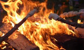 Einladung zum gemütlichen Winterabend vor dem Quartierladen mit Feuerschale, Stockbrot und warmen Getränken…