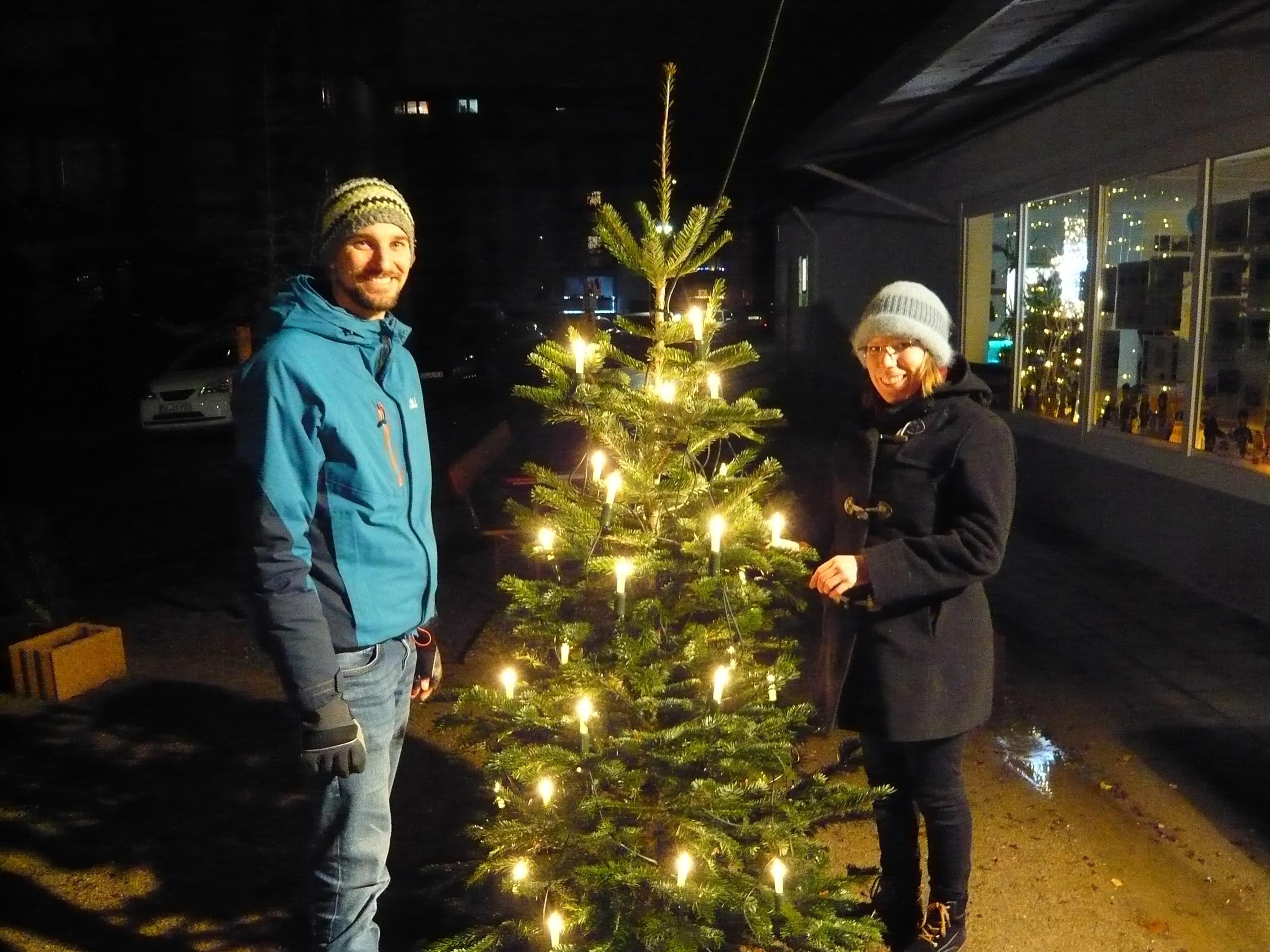 Premiere: Weihnachtsbaum auf dem Quartierplatz