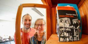 Unser neuer Bücherschrank für die Postsiedlung – schöner Artikel im heutigen Darmstädter Echo