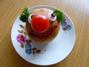 Valentinstag, Fastnacht, baldiger Frühlingsbeginn – beim SeniorInnen-Mittagstisch auch kulinarisch ein Ereignis…