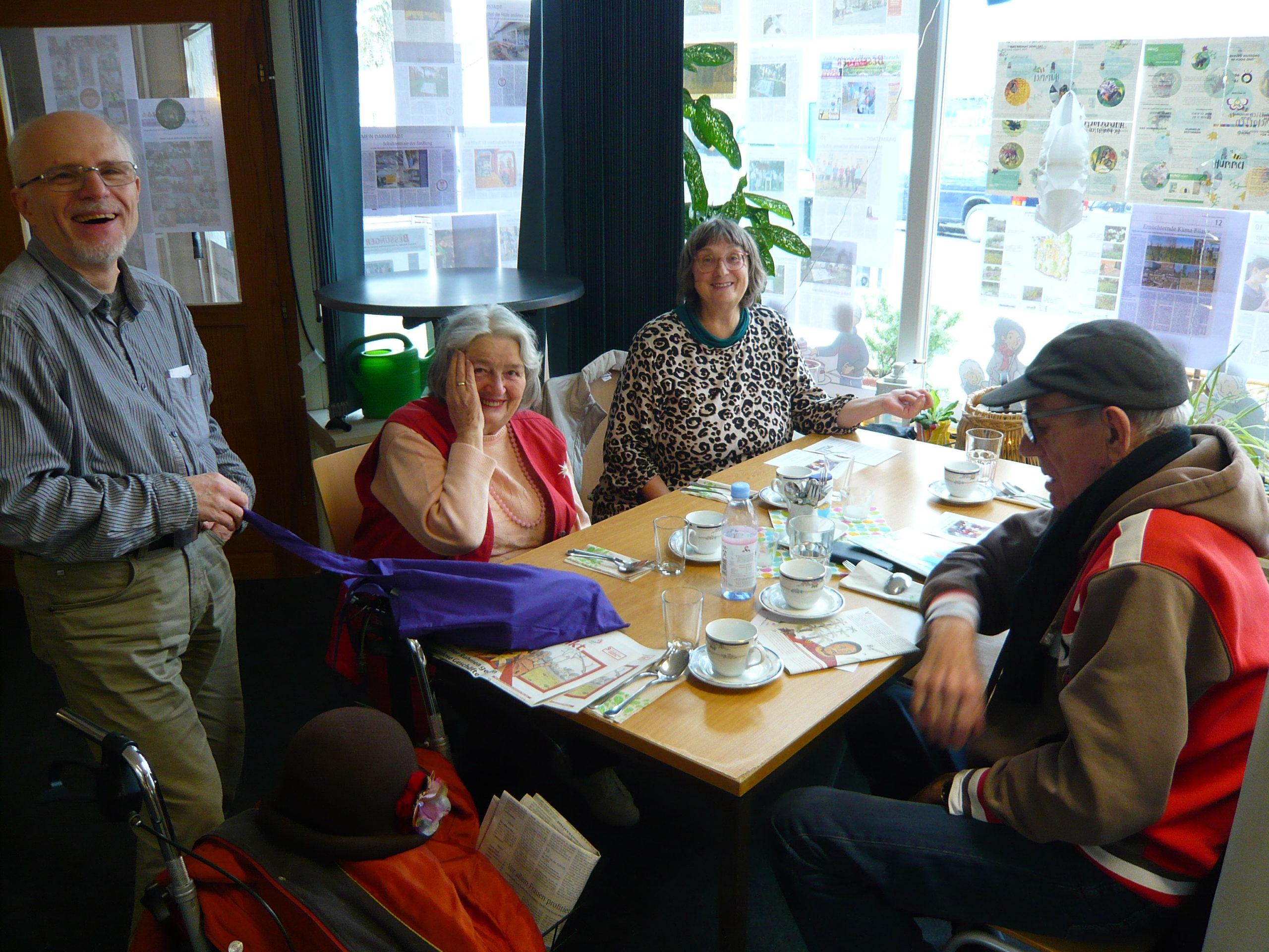 Update! – Hotline geschaltet: Corona-Pandemie –  Wir helfen SeniorInnen und chronisch Kranken im Quartier