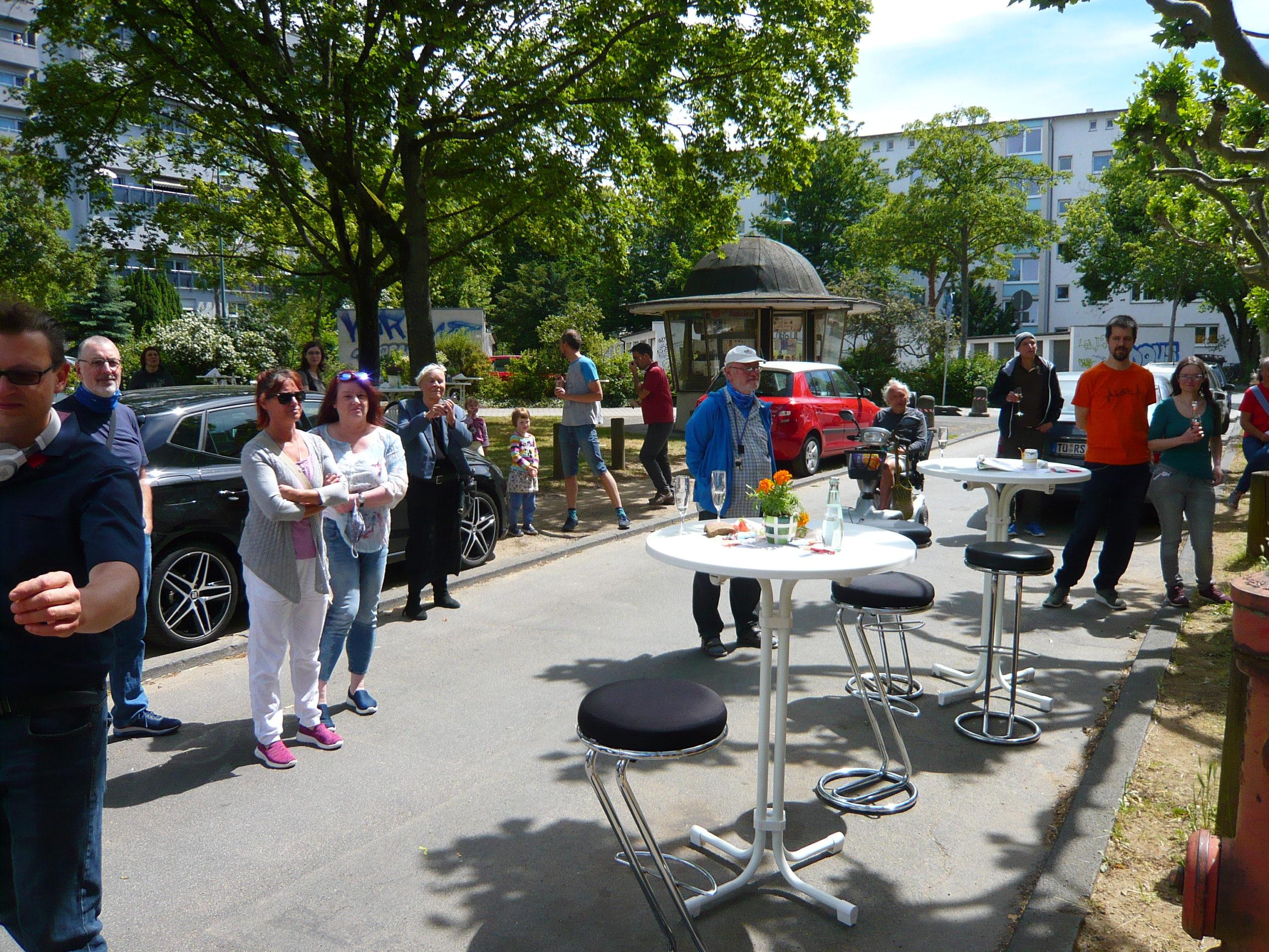 Umsonstladen: Schöne Eröffnungsfeier setzt den Startpunkt des Herzblut-Projekts