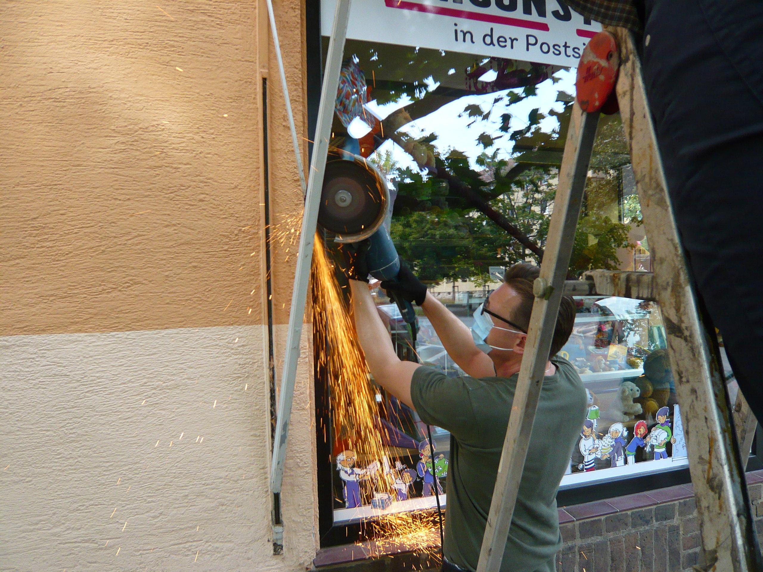Umsonstladen, Quartierhütte, Quartierladen – ein Sommer der engagierten BauhelferInnen…
