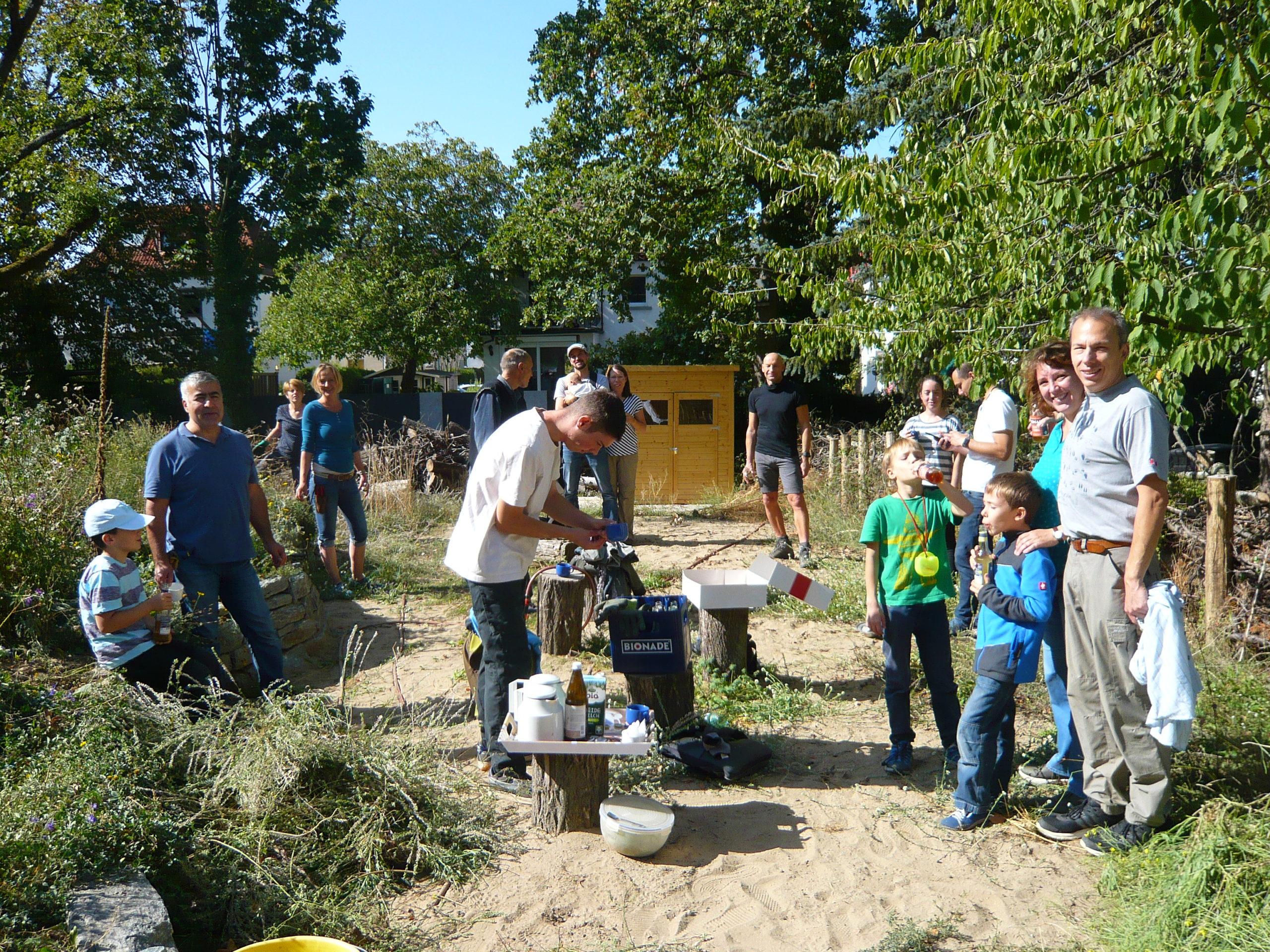 Biotop: Spätsommerlicher Einsatz bereitet große Blumenzwiebel-Aktion in vier Wochen vor…