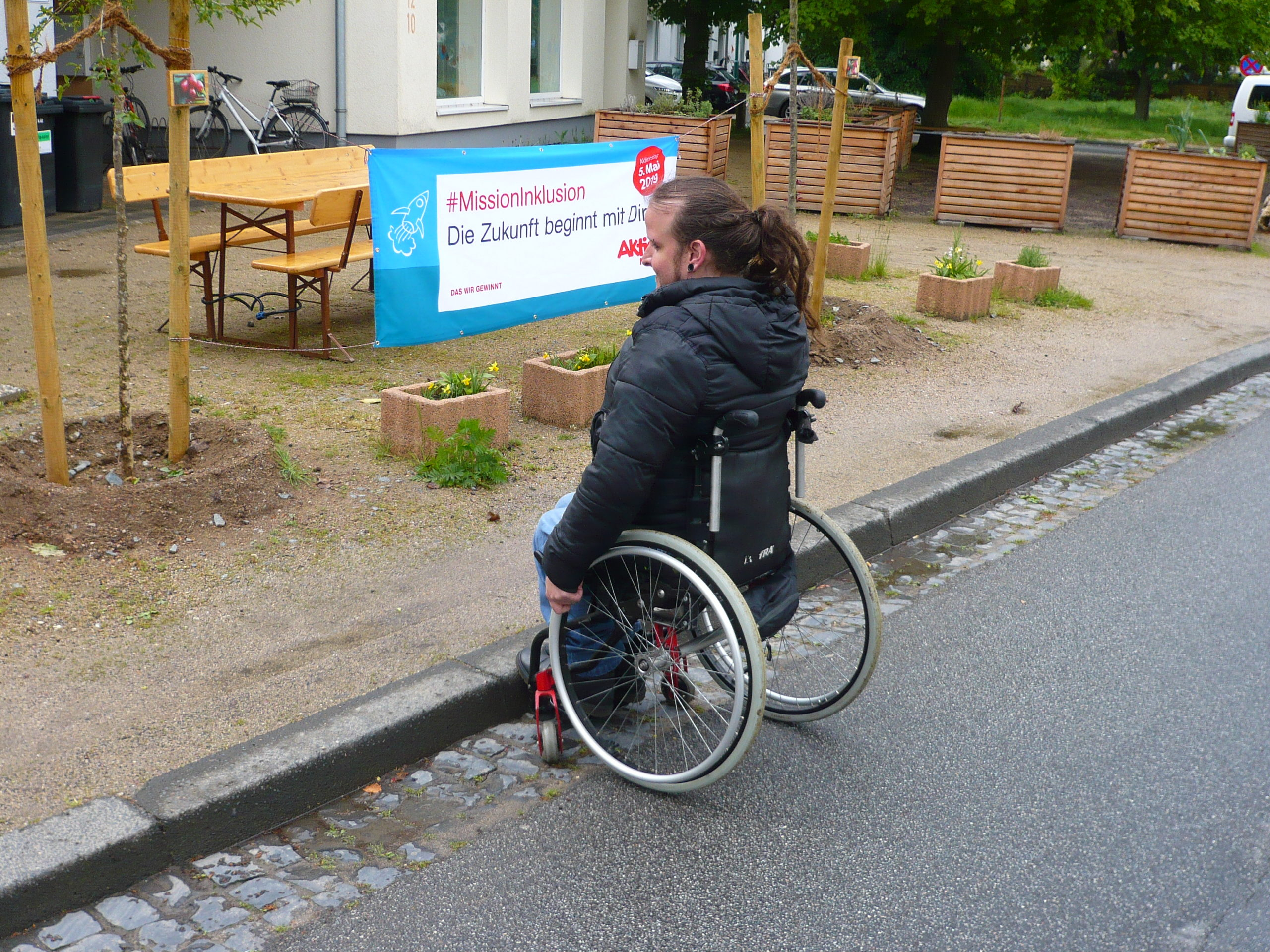 Postsiedlung barrierefrei: Städtisches Mobilitätsamt plant Umbau rund um den Quartierplatz!