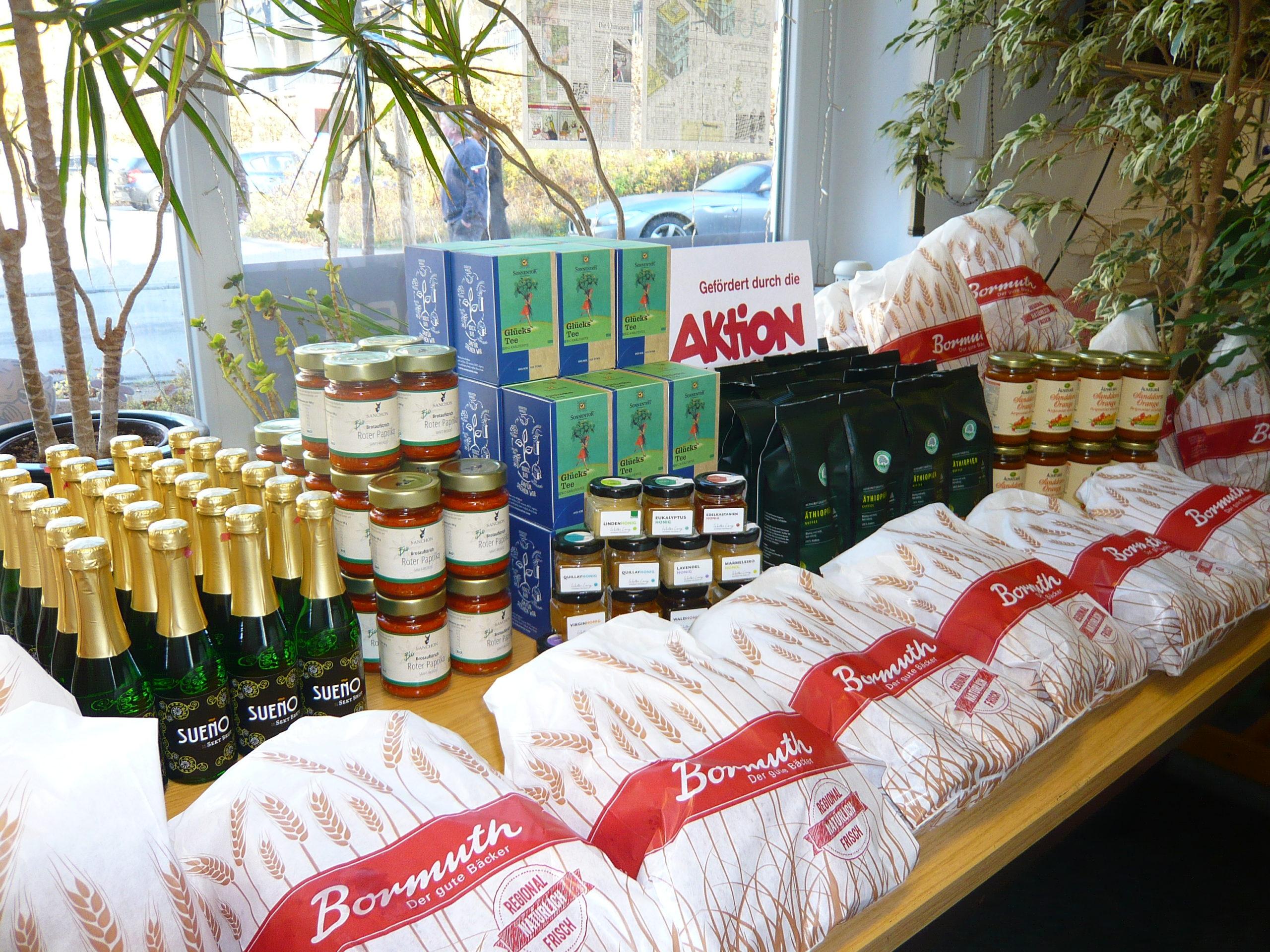 Corona-Hilfe: Frühstücksbox mit Sekt, Croissant und Zeitung nach Wahl gegen die grauen November-Tage…
