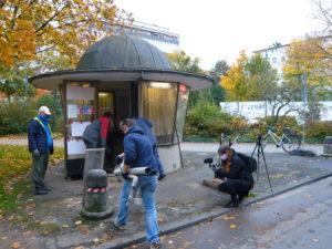 Ausräumaktion beim denkmalgeschützten Postsiedlungs-Kiosk schafft Platz für Neues…