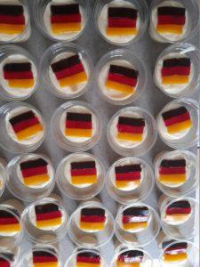 Read more about the article SeniorInnen-Mittagstisch: Kulinarisch immer tagesaktuell… – zum heutigen Spiel der Deutschen Nationalmannschaft ;-)
