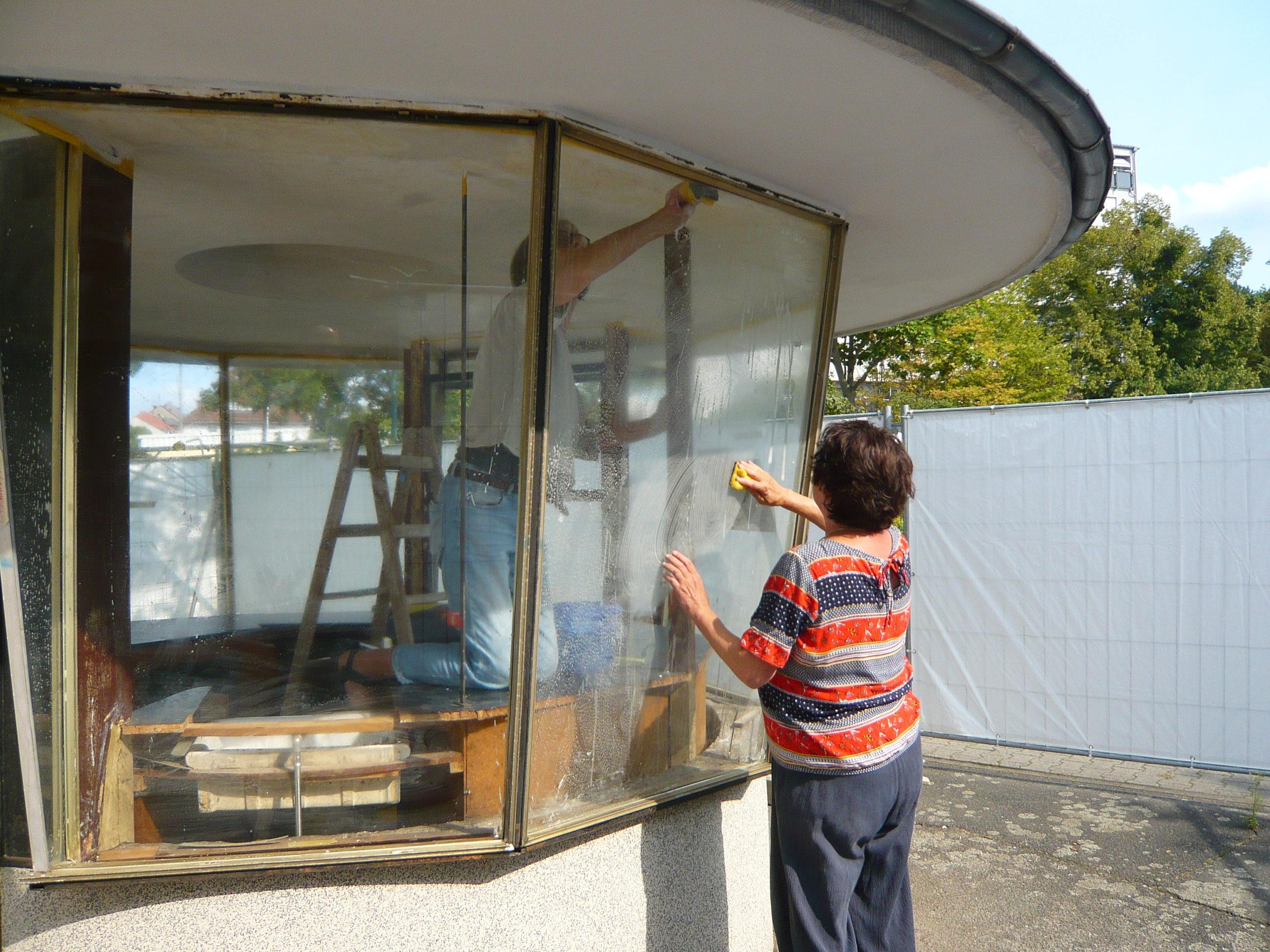 Read more about the article Kiosk 1975: Große Ereignisse werfen ihre Schatten voraus…