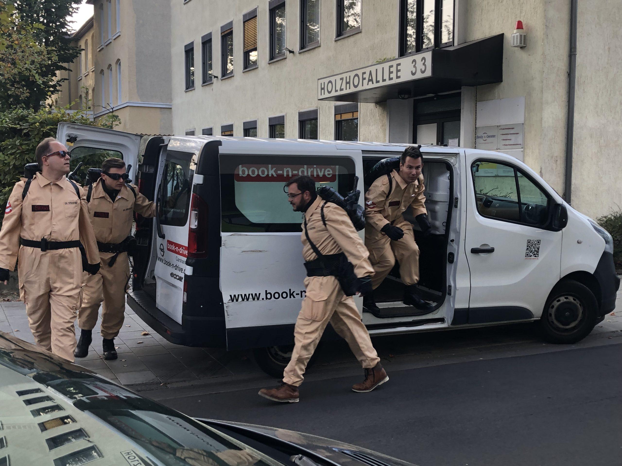 Read more about the article Ghostbusters: Erster Einsatz im Quartier gegen Wohnungsleerstand aus Profitgründen und Horror-Mieten…