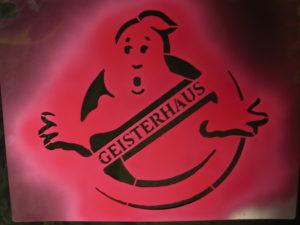 Read more about the article Postsiedlung in Darmstadt: Die Ghostbusters in Aktion gegen Wohnungs-Leerstand aus Profitgründen…